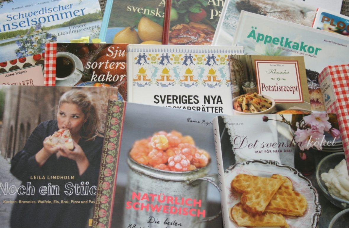 schwedische Kochbücher Bücher Bücherstapel