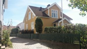 gelbes Haus Bohuslän Schweden Westküste Västkust Sommer