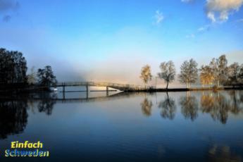 Östergötland Vättern Wasser Brücke Bäume