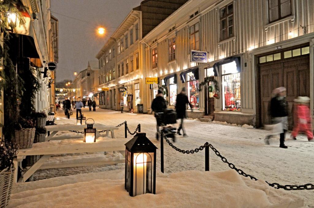 Göteborg Haga Winter Schnee Laterne Einkaufsstraße