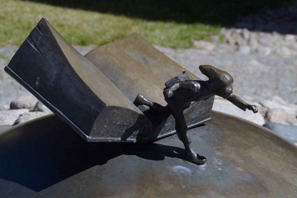 Nils Holgersson Buch Reise Skulptur Selma Lagerlöf