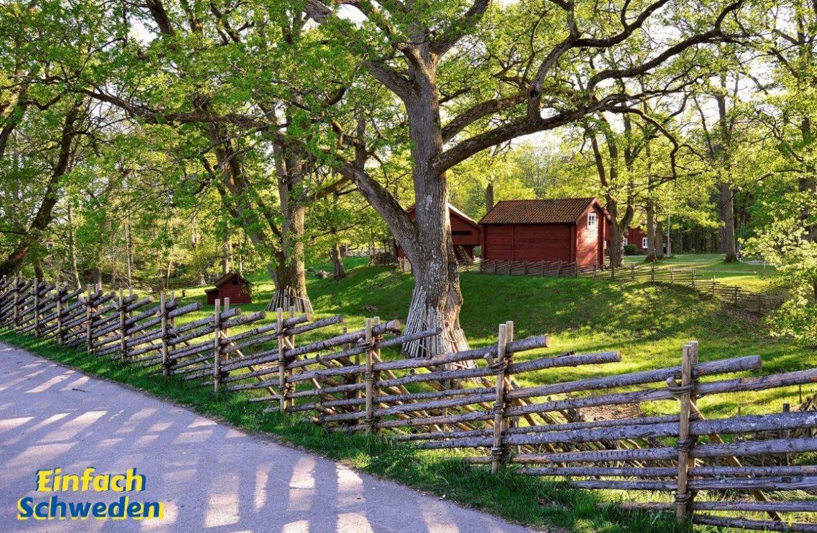 Schweden Urlaub zu Hause rotes Haus Zaun
